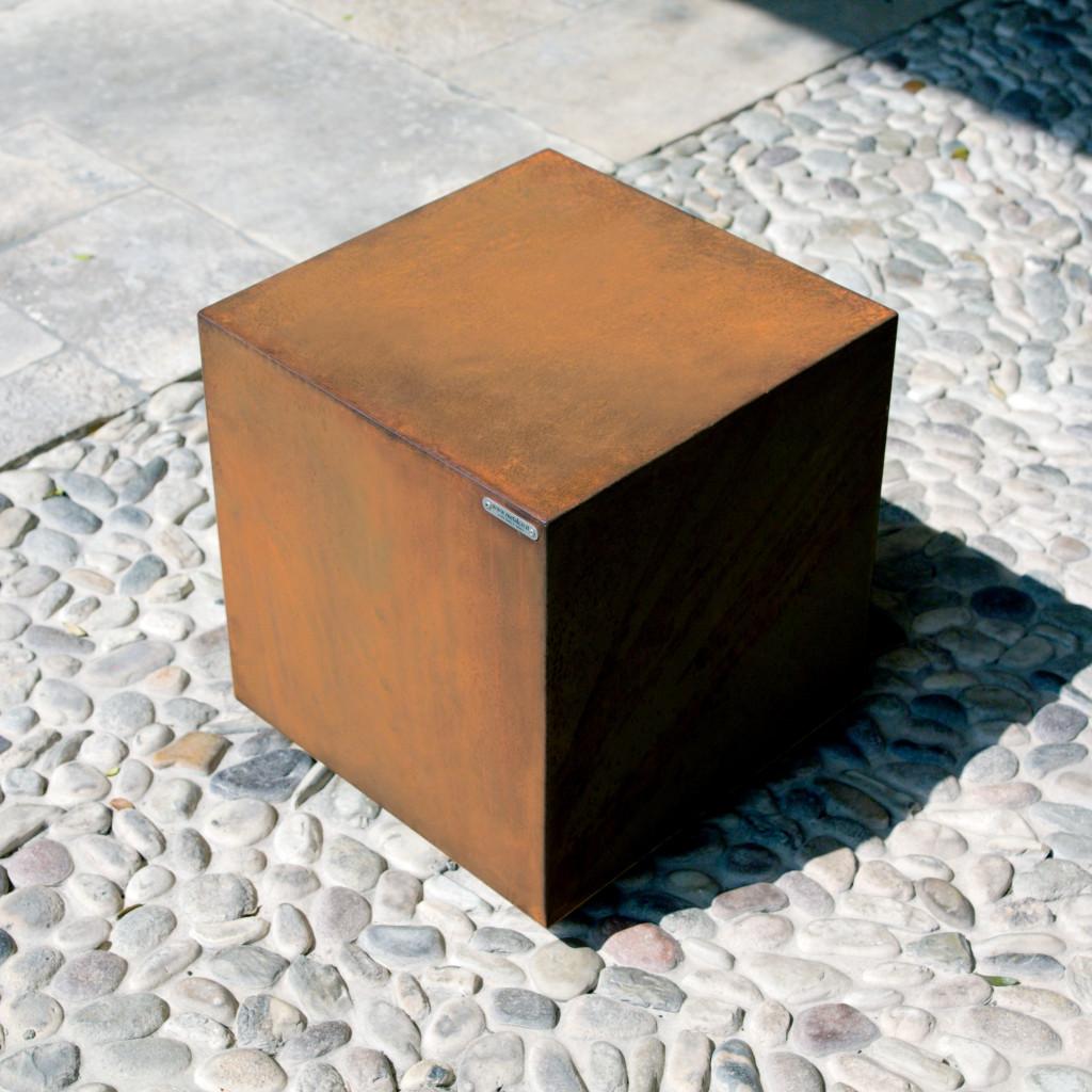 Cube Poller Corten