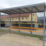 Zirkon Buswartehaus mit Sitzbank